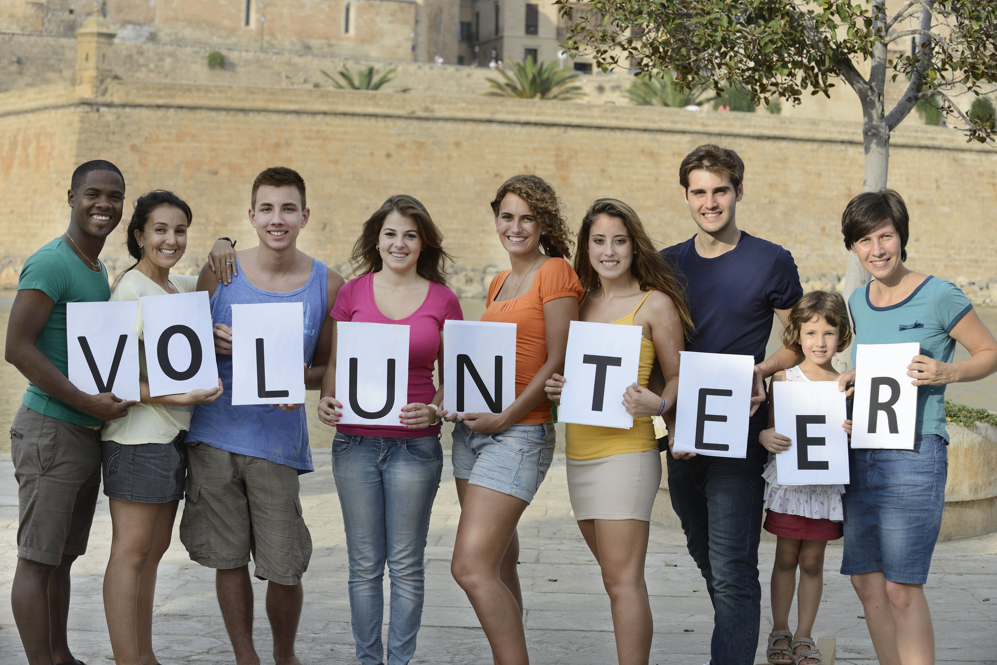 youth-volunteers